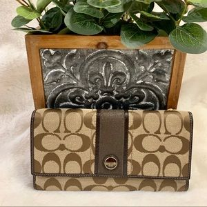 Coach Wallet - Brown Logo Pattern